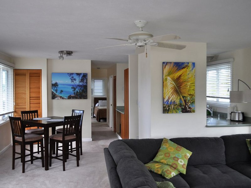 SPACIOUS ISLAND LIVING *RELAXING IN STYLE AND COMFORT*, alquiler vacacional en Kaneohe