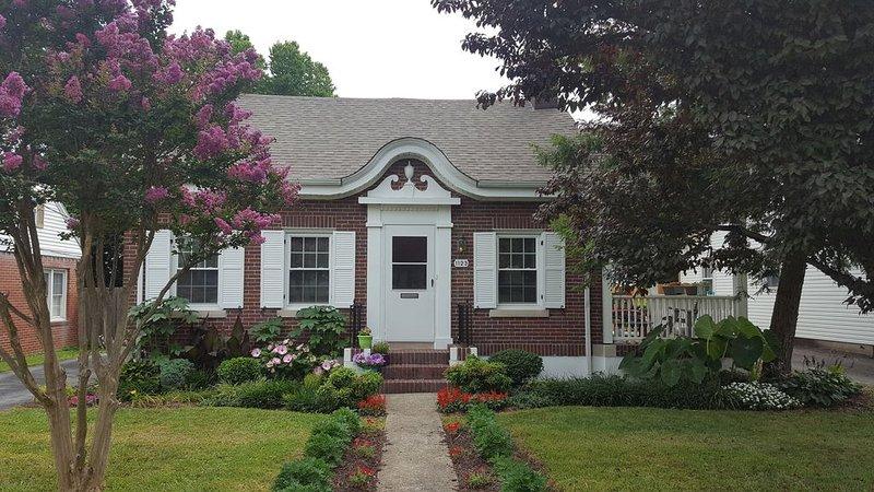 Cute, older home in a great location by Raydarr Properties, LLC, alquiler vacacional en Berea