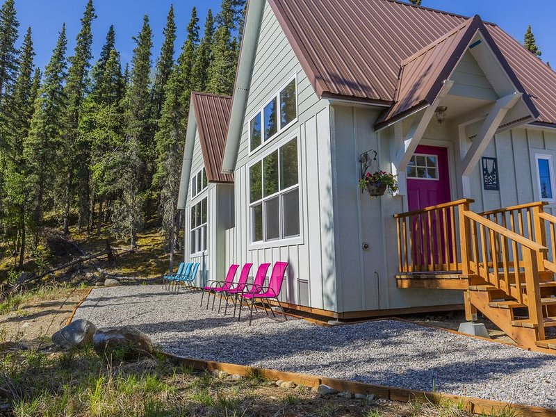 The Fireweed Cabin at Alpenglow Ridge, vacation rental in McKinley Village