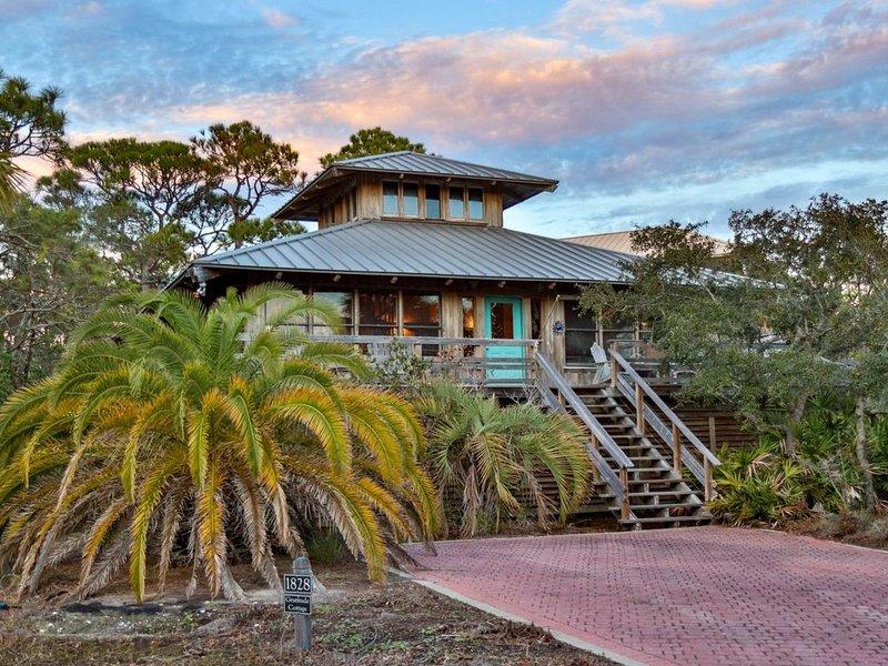 Gratitude Cottage, 3BR/2BA custom home, near community pool, holiday rental in Apalachicola