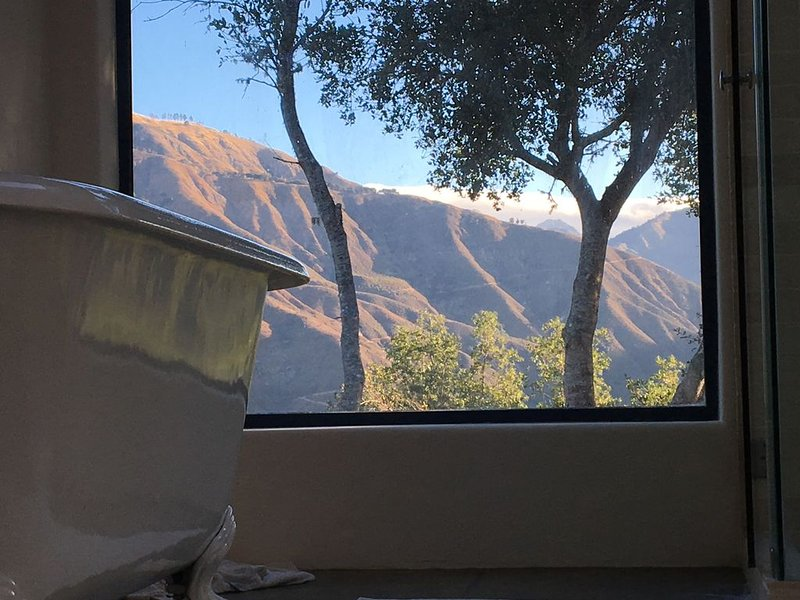 Gorgeous modern home with ocean views in the heart of Big Sur, holiday rental in Big Sur