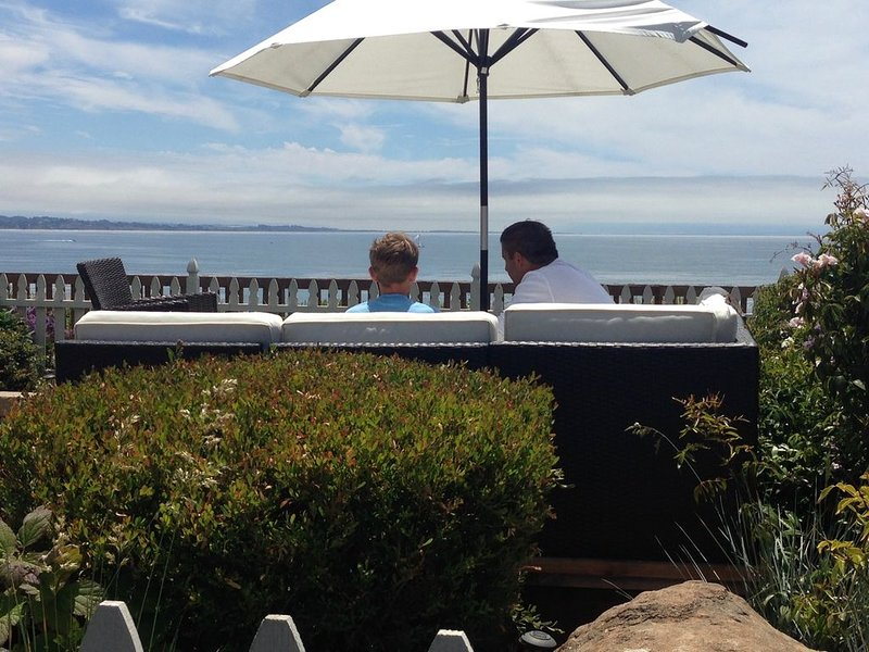Luxury Ocean Front/Panoramic Views,Walk to Beach, Shops & Dining, location de vacances à Soquel