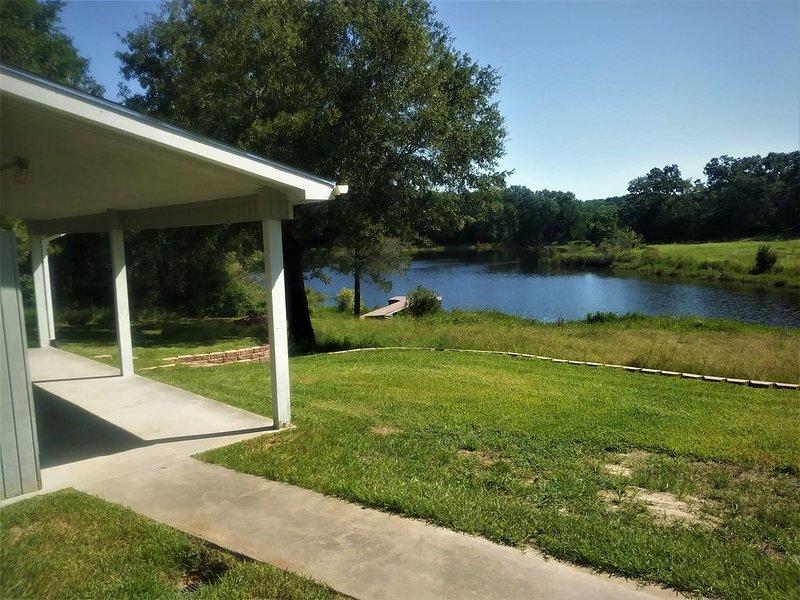 The Lake Cabin at B2 Ranch, holiday rental in Buffalo