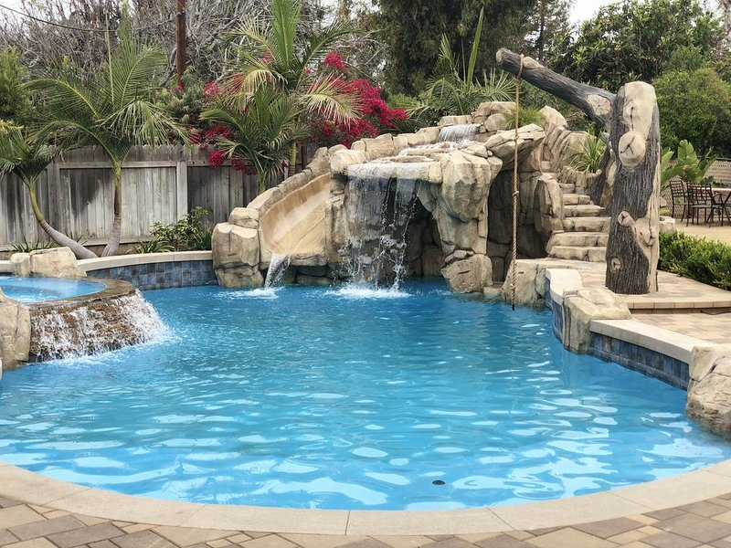 WE'RE  OPEN AND IT'S SUNNY! INCREDIBLE VACATION HOME NEAR BEACHES AND DISNEYLAND, vacation rental in Chino Hills