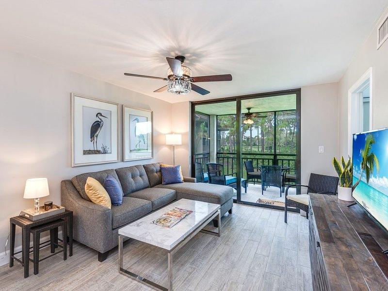 NEW Listing -- Newly renovated with beautiful view and access to Private Beach, aluguéis de temporada em Bonita Springs