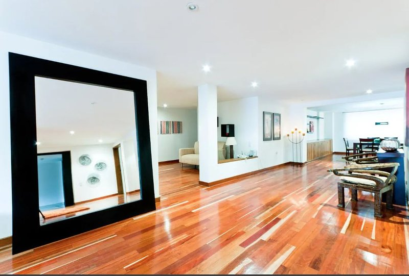 BOGOTA CABRERA - EXCLUSIVE LOCATION - NEXT TO ZONA T, holiday rental in Bogota