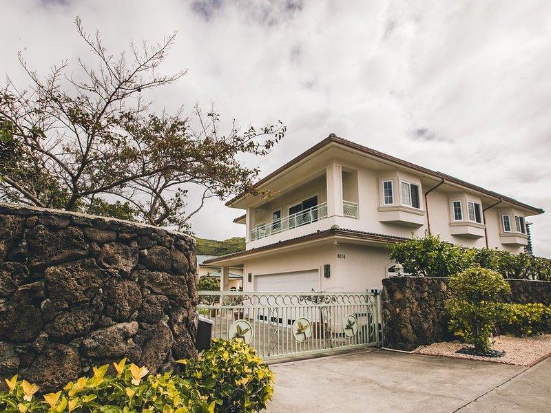 Home of Aloha, 5 Bedrooms / 4 Bath, Sleeps 14, location de vacances à Hawaii Kai