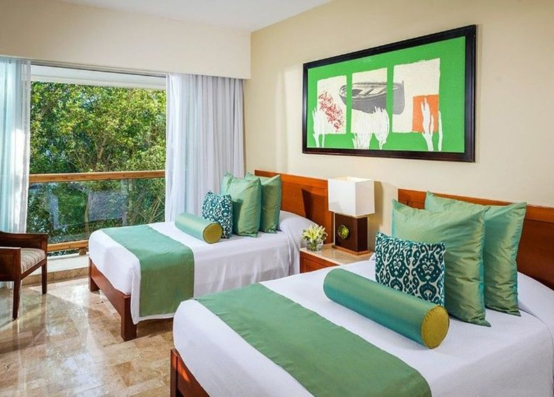 Mayan Palace 2 Bedroom Master Suite, vacation rental in Playa Paraiso