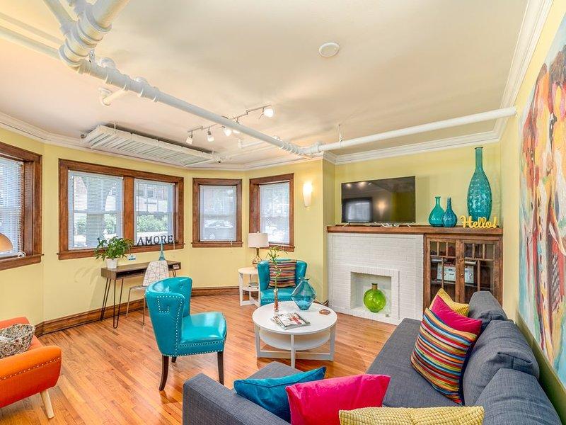 Retro Apartment in Andersonville, vacation rental in Elmwood Park
