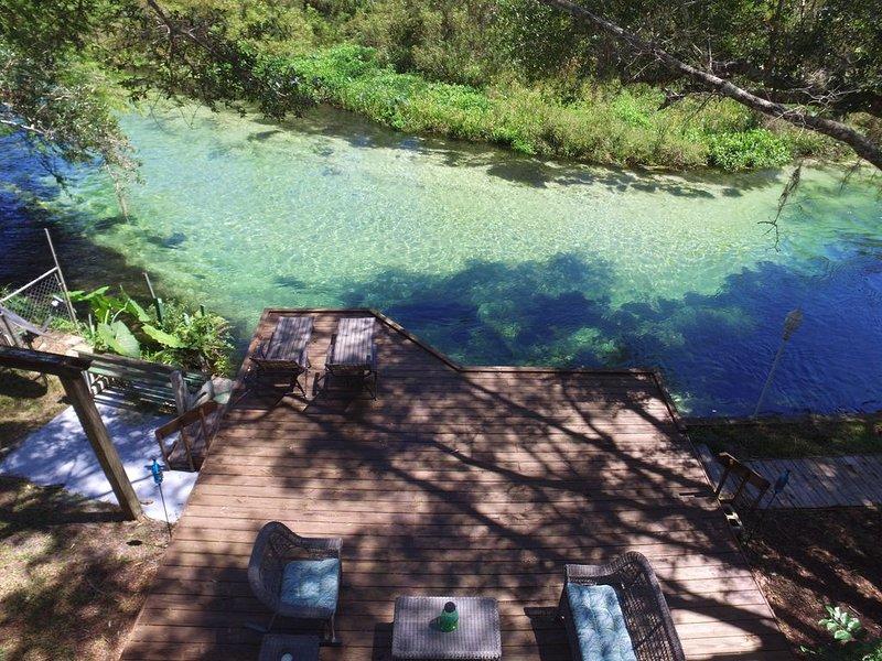 3/3 ON WEEKI WACHEE RIVER, vacation rental in Weeki Wachee
