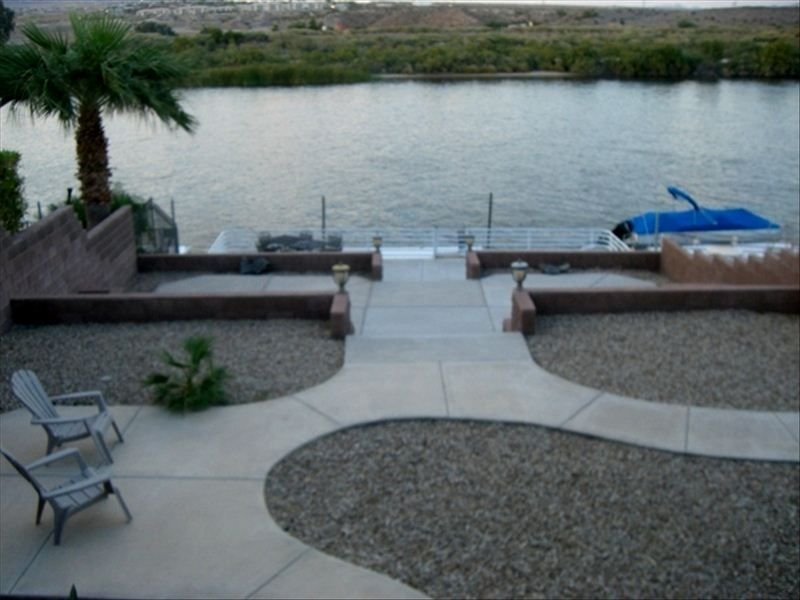 Riverfront Home...Private Dock...., holiday rental in Laughlin