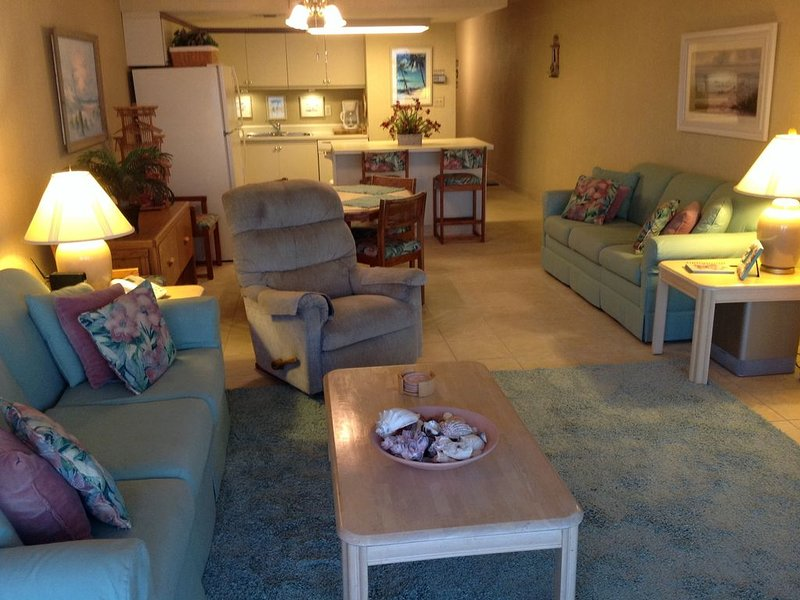 Great Rates on our 1 Bedroom Oceanfront Condo (Owner Managed), location de vacances à Garden City Beach