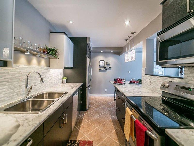 Beautiful Short or Long Term Rental Available NOW!, alquiler de vacaciones en Edmonton