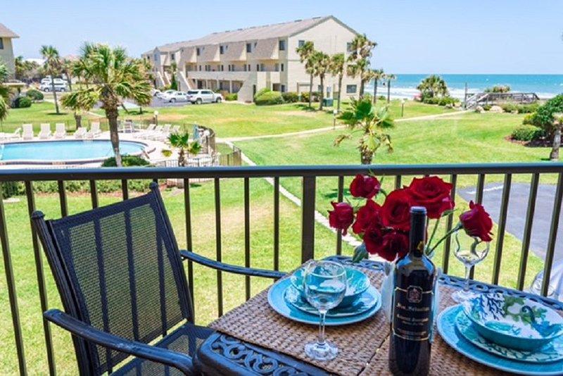 Summerhouse 251, Sleeps 6, Ocean View Condo, 4 Heated Pools, WiFi, vacation rental in Saint Augustine Beach