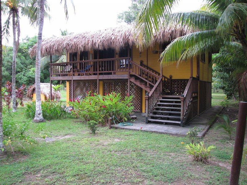 Las Pinitas - Absolute Tranquillity on the best beach in La Ceiba, holiday rental in Atlantida Department