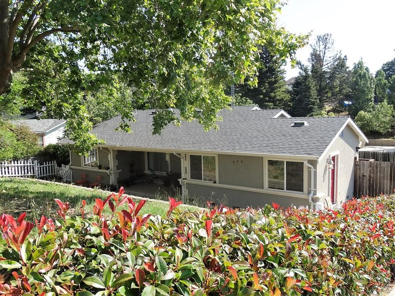 Relaxing 'Rancho El Sobrante' Whole Home Near SF in the Heart of the Bay Area, vacation rental in Rodeo