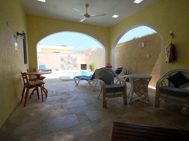 Wonderful 2 Bed/2 en-suite Home, Private Yard/Pool. Close to beach/town, alquiler vacacional en Progreso