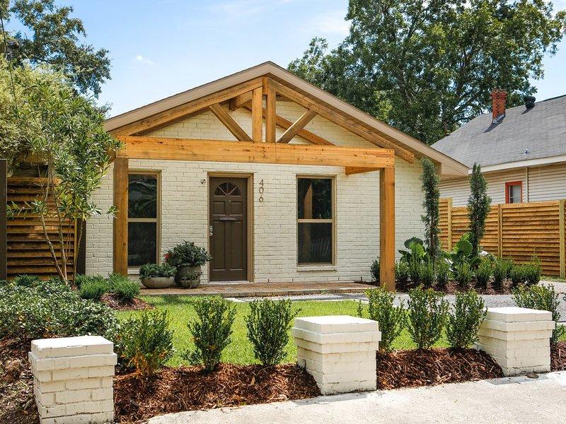 Modern Corporate Home / 406 Peake Street, casa vacanza a Lake Charles