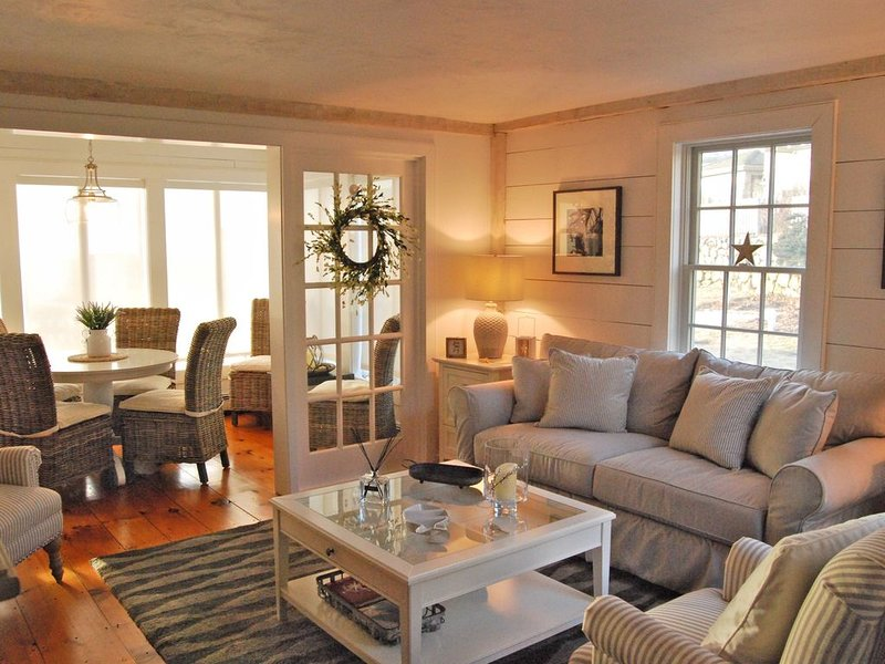 Stunning Private Cottage with Ocean Views- Largest Available in the Village!, holiday rental in Mashpee