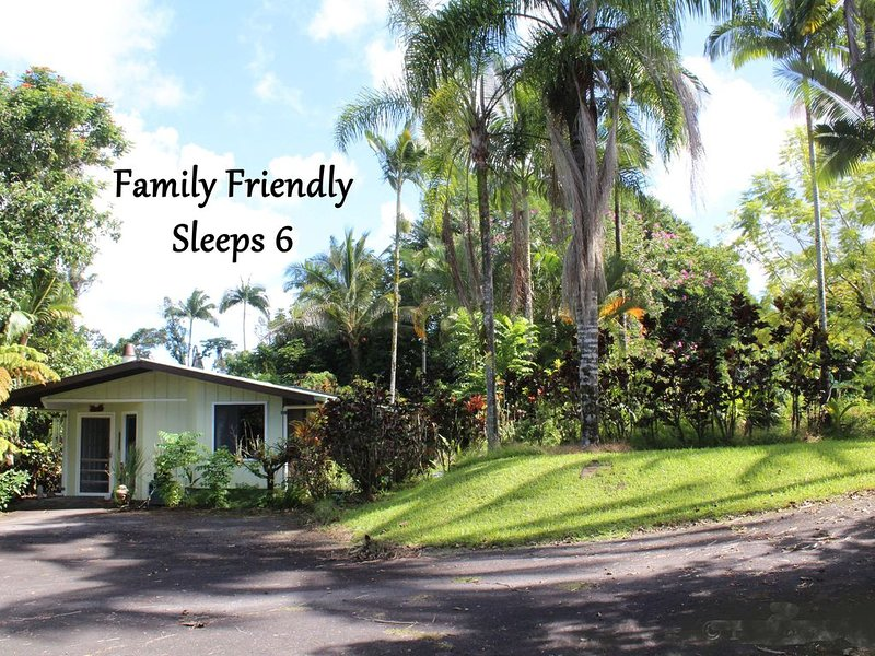Rainforest Bungalow ✿ Open - With Restrictions ✿, alquiler de vacaciones en Hilo