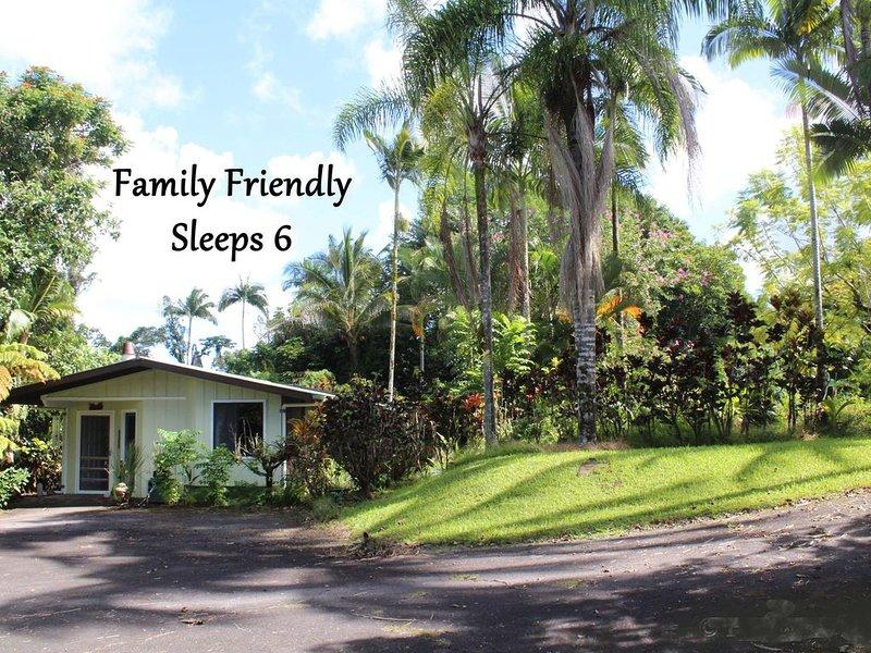 Rainforest Bungalow ✿ Open - With Restrictions ✿, casa vacanza a Kurtistown