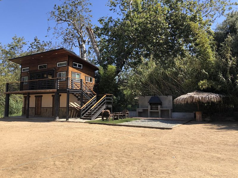 THE CABIN AT RANCHO EL BEG, holiday rental in La Mision
