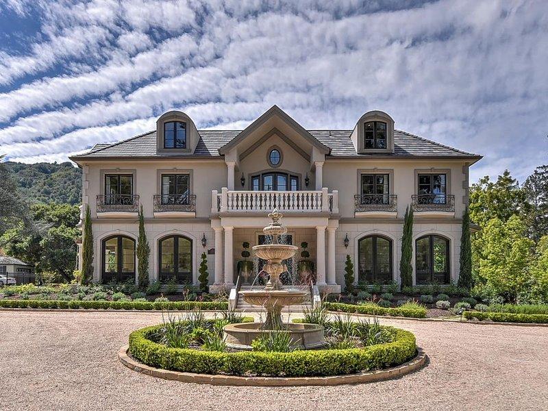 Executive Mansion near Downtown Los Gatos, holiday rental in Saratoga