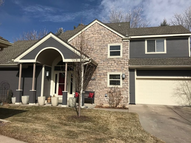 Two-bedroom home in quiet neighborhood near Boulder, vacation rental in Lafayette