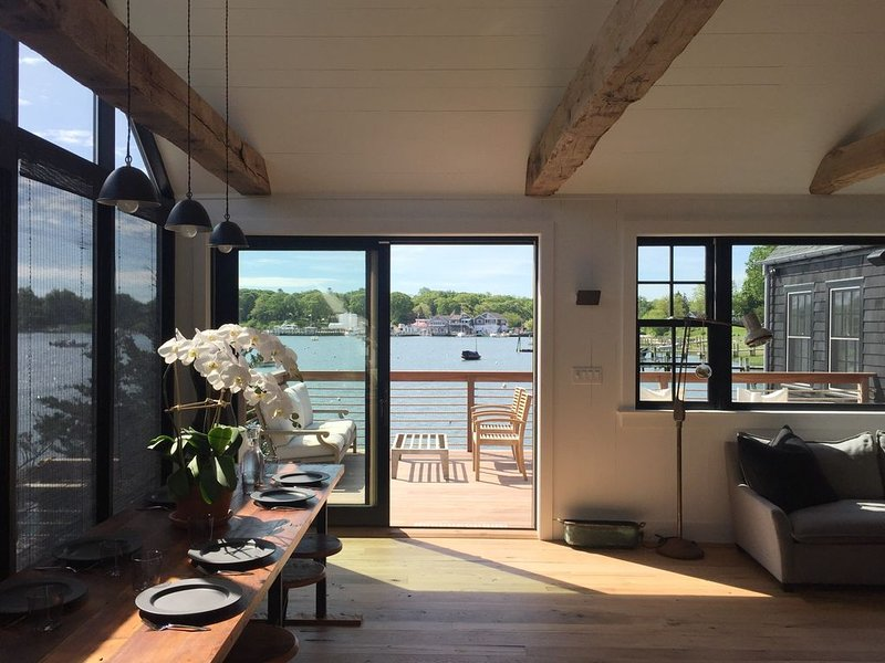 New Renovation Waterfront House With Dock. Best Location In Shelter Island, vacation rental in Shelter Island