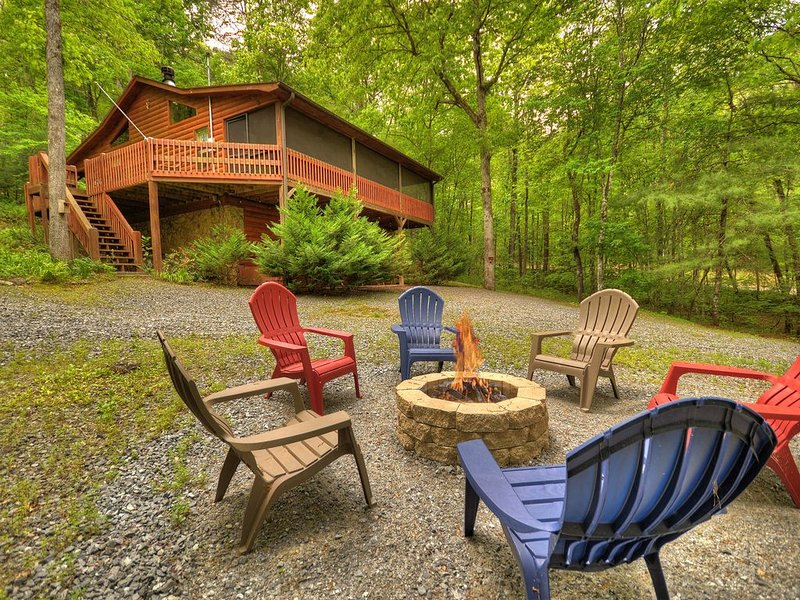 *Free Whitewater Rafting & Ziplining* Enjoy Fightingtown Creek access in this sp, casa vacanza a Epworth
