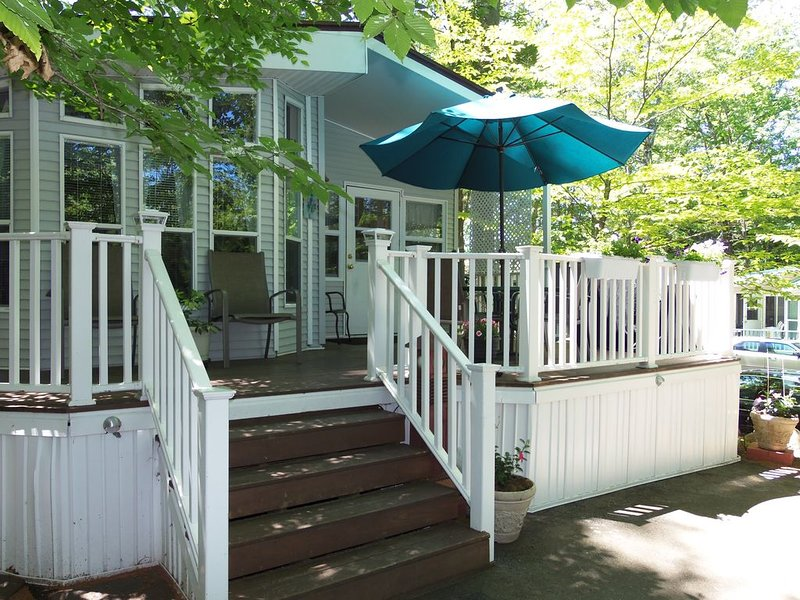 27 Purple Rd, 2 Bdrm-2 full Baths/ Great Loc / Adds Ease, Convenience, Comfort, vacation rental in Raymond