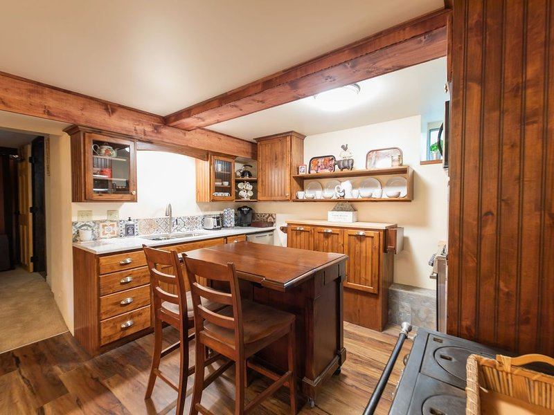 Providing a comfortable, home away from home experience for treasured guests., vacation rental in Taylorsville