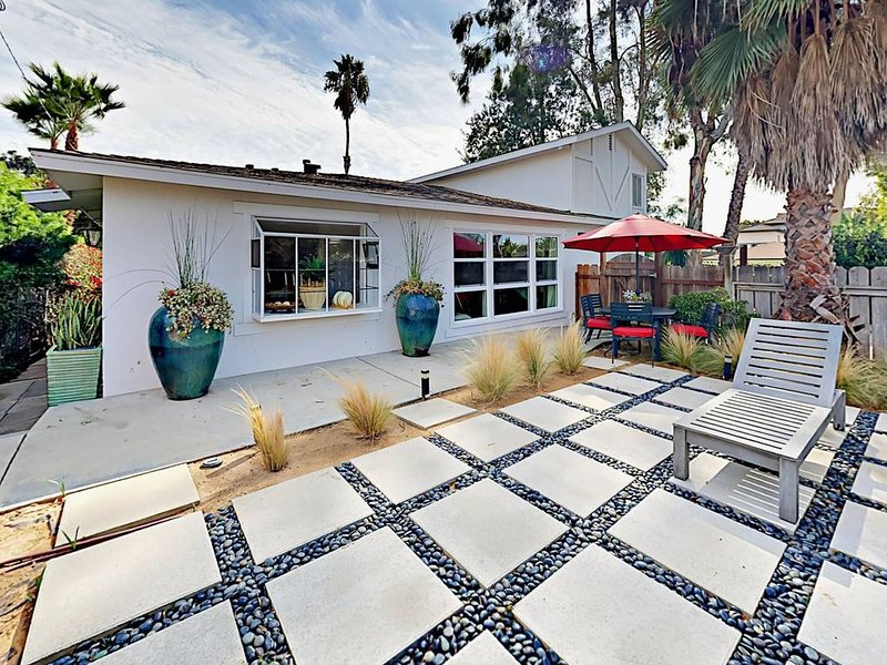 Cozy Costa Mesa house next to Newport Beach, vacation rental in Costa Mesa