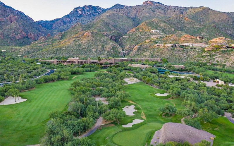 NEW Updated Condo w/ Dramatic Mountain View's, holiday rental in Mount Lemmon