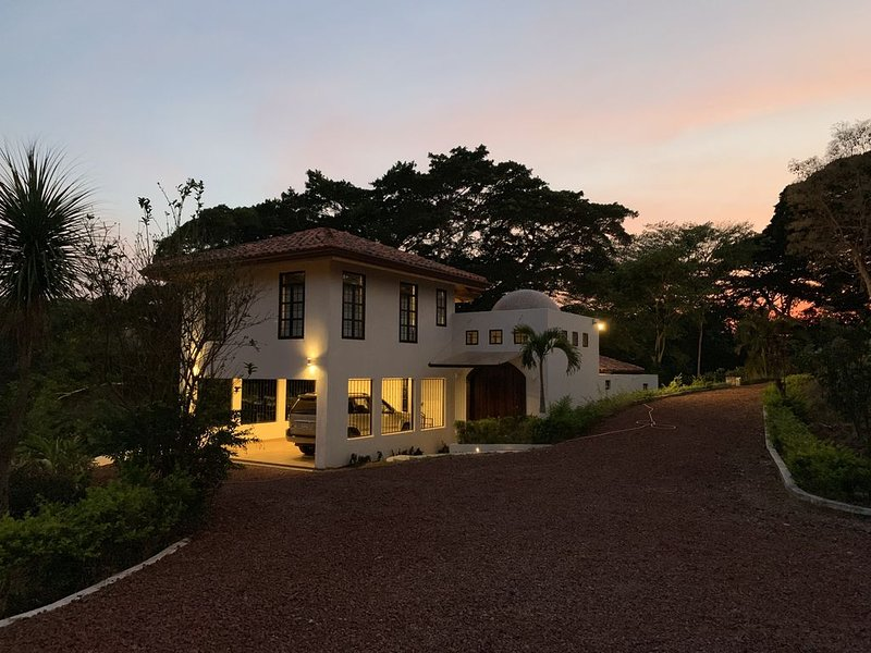 Alluring Paradise in the Mountains of Atenas, Ferienwohnung in Alajuela