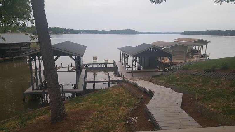 Lake Tillery Property with Amazing View-4 night minimum, vacation rental in Badin