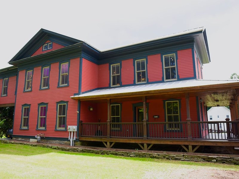 Point Mountain Guest House - A Village Standout, alquiler vacacional en Jackson
