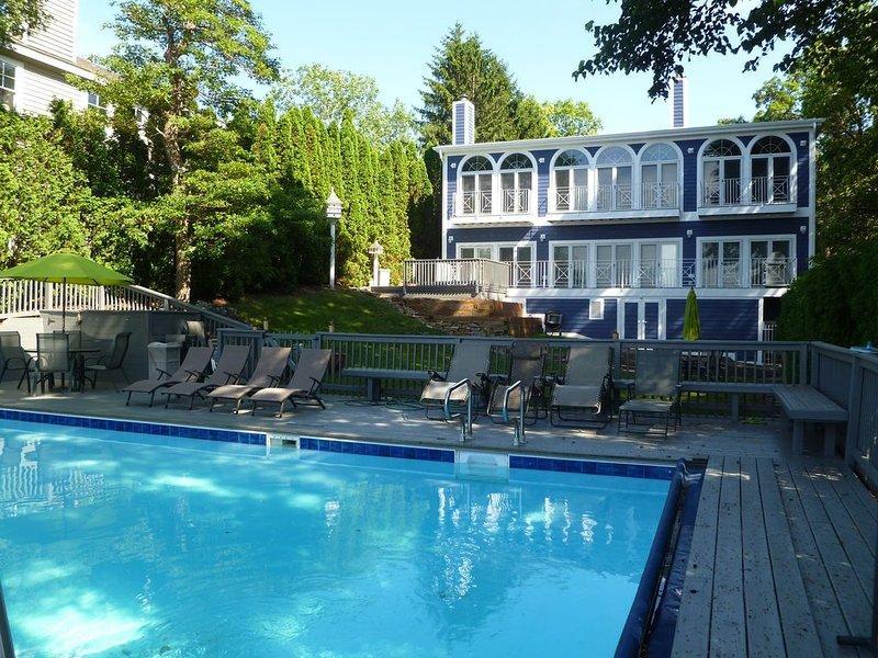 NOW BOOKING FOR 2020 ~ Lakefront Pool And Private Beach In Michiana!, alquiler de vacaciones en Michiana Shores