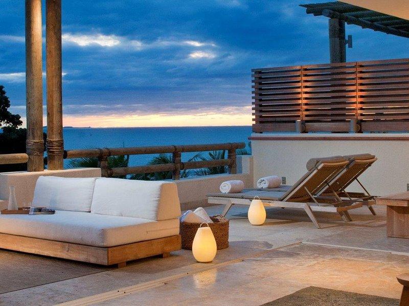 Los Veneros Luxury Beach Front Condo, alquiler vacacional en La Cruz de Huanacaxtle
