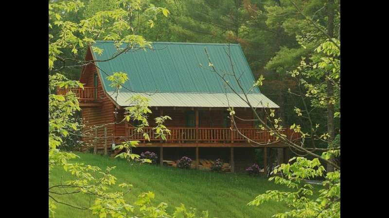Cabin in the Woods by South Holston River, location de vacances à Bristol