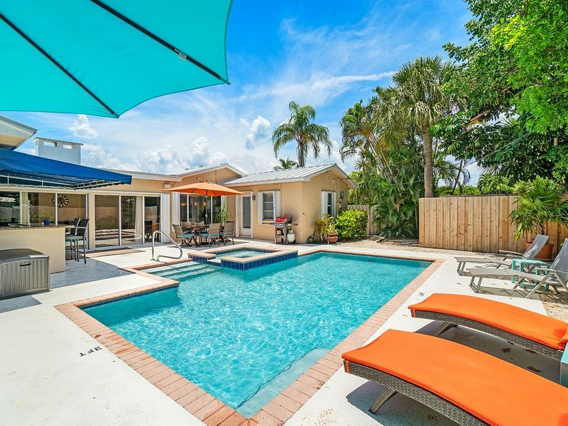 REME HALO In Duct Air Sanitizer- Heated Saltwater Pool/Jacuzzi-Steps to Beach, vacation rental in Singer Island