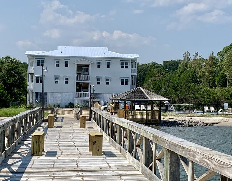 Waterfront: EsCAPE to the CAPE!!!, holiday rental in Southport