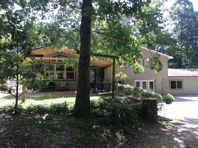 Amazing Retreat or Reunion Lodge, location de vacances à Rising Fawn