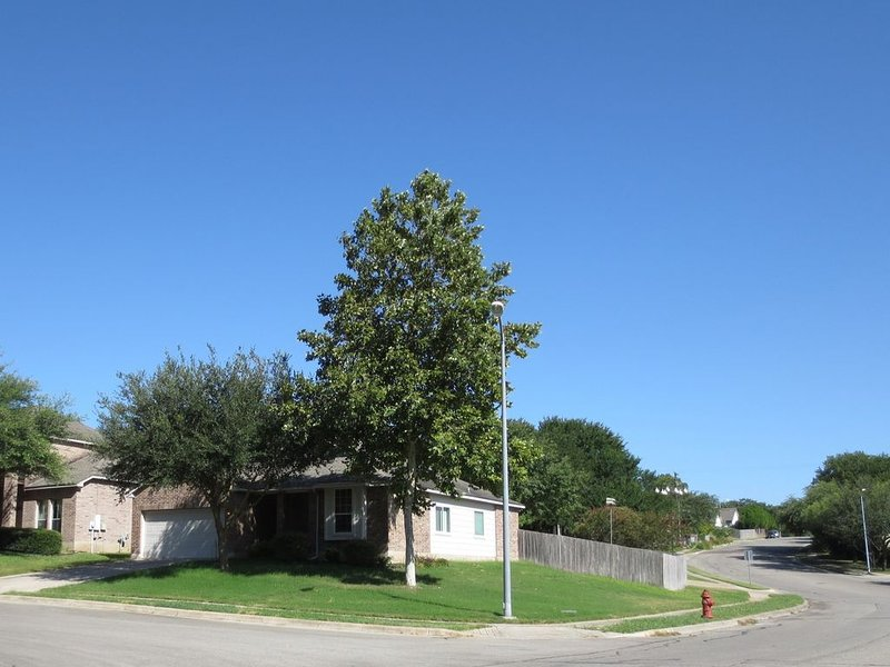 House Universal City close to Randolph AFB, holiday rental in Schertz