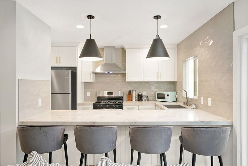 Designer Remodeled Home Minutes from Disneyland, casa vacanza a La Habra