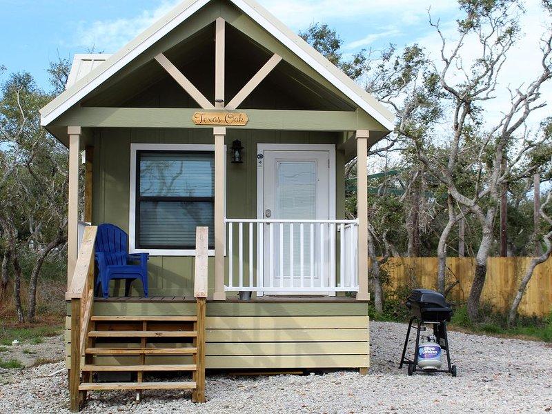 Texas Oak - Beautiful New Tiny Cottage - Perfect Family Getaway, alquiler vacacional en Aransas Pass
