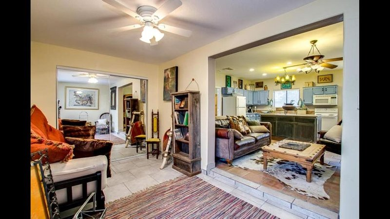 Great little Casita on a Gentlemans' Ranch in the Heart of Gilbert!, holiday rental in Chandler Heights