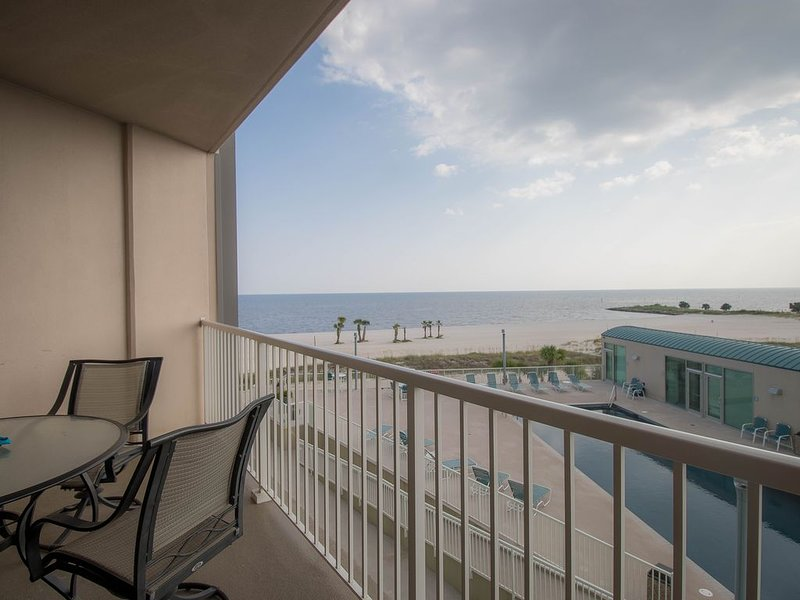 I'll Have A Side Of Beach With My Morning Coffee! Directly On The Sand!!! – semesterbostad i Biloxi