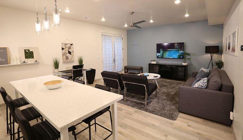 Bright Modern Apartment that Sleeps 6, location de vacances à Saratoga Springs