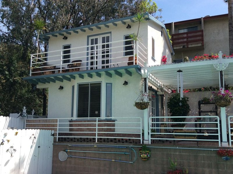 Private back house for rent in beautiful Glendale with all utilities included !!, holiday rental in Glendale